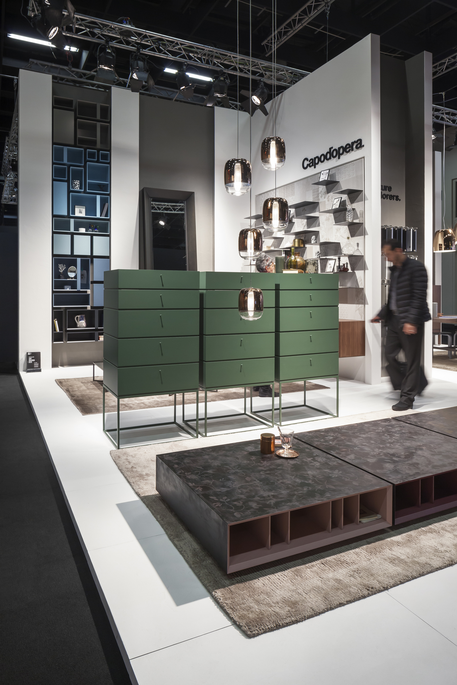 trendletter imm cologne spitzentanz einer neuen leichten m belwelt. Black Bedroom Furniture Sets. Home Design Ideas
